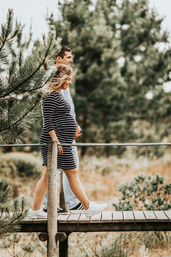 Paar Schwangerschaft glücklich